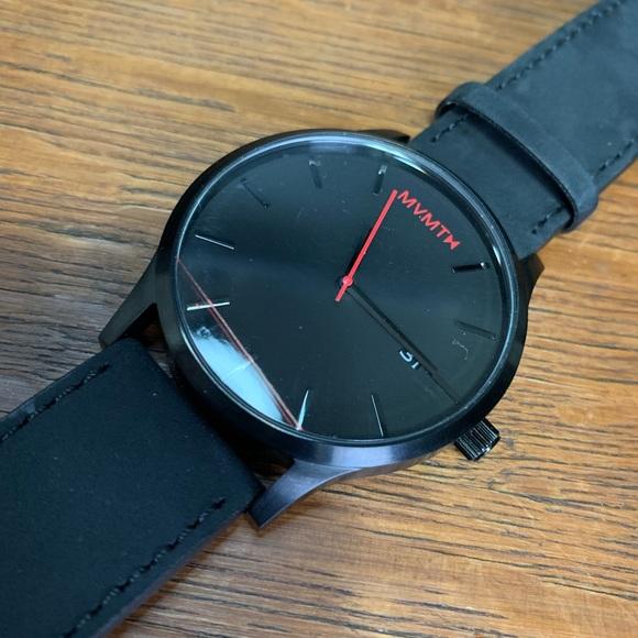 f4aa43512059a MVMT Classic series Black Leather watch NEW. M 5c70eaf45c44528dc1ebc3ff